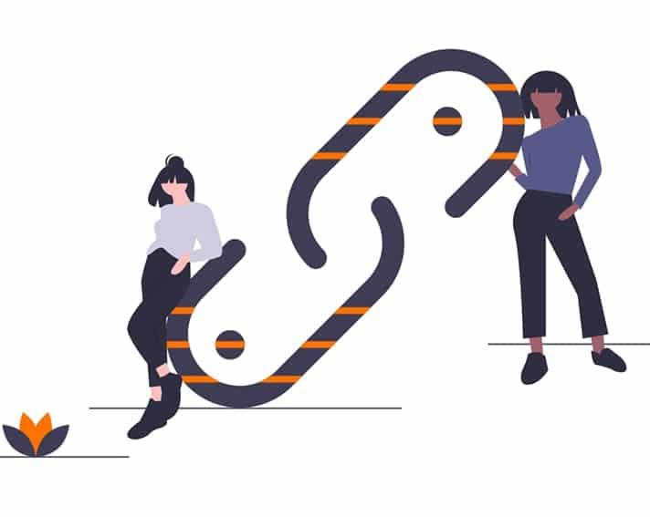 dos chicas creando vincular dentro de un mismo sitio web para posicionar con tecnicas white hat